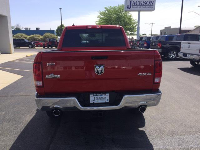 New 2018 Ram 1500 Big Horn 4x4 Crew Cab 5'7 Box